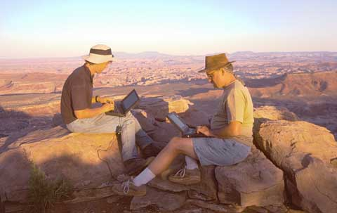 Clint (KA7OEI) and Randy (KG7GI) on the edge of a 1200 foot cliff overlooking much of Canyonlands National Park.